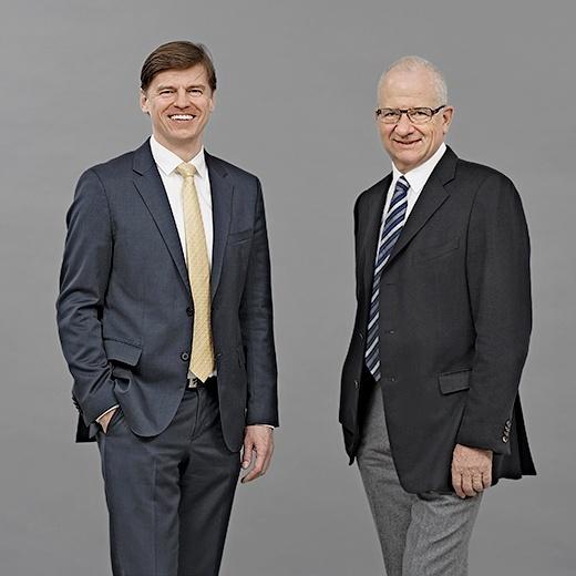 Veit V. Dengler, CEO und Etienne Jornod, VR-Präsident der NZZ-Mediengruppe (v.l.)